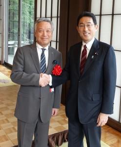 岸田外務大臣と