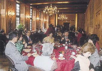 2007.4ナント市役所でのパーティー